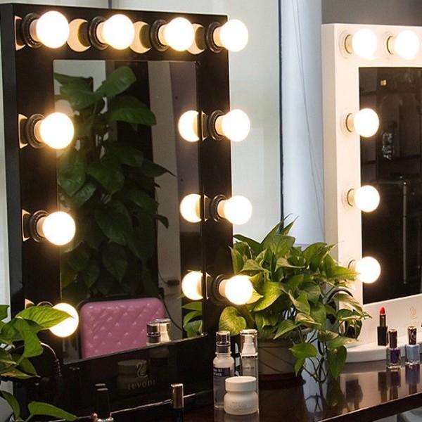 Czarne Lustro do makijazu make-up wynajem mebli magnetic group wypozyczalnia mebli sopot gdynia gdansk gdynia trojmiasto 4
