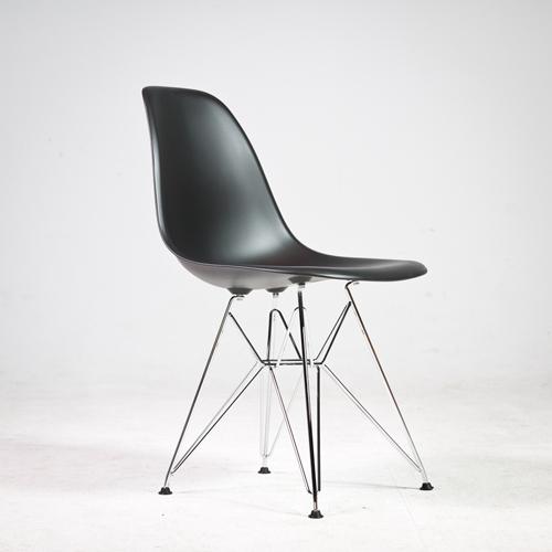 Krzesla DSW Steel czarne wynajem metalowe nogi mebli wypozyczalnia magnetic group sopot gdynia gdansk trojmiasto bydgoszcz torun plock olsztyn szczecin warszawa lodz 2