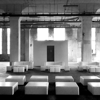 Pufy-Cubo-XL-Pufy-Cubo-Sofy-Tetris-Wynajem-Mebli-Gdynia-Gdansk-Sopot-Trojmiasto-Wypozyczalnia-Mebli--Magnetic-Group-WEB