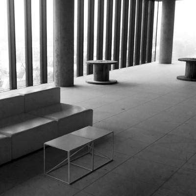 Sofa--Tetris--Wynajem-mebli-stoliki-kawowe-astro--wynajem-mebli-wypozyczalnia-mebli-magnetic-group-gdynia-gdansk-sopot--trojmiasto-torun-bydgoszcz