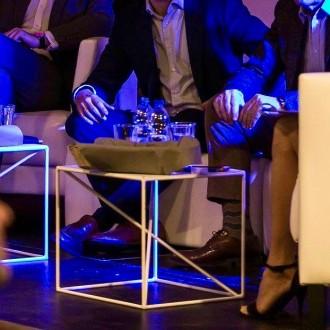 Fotele Miles - stoliki kawowe astro Magnetic Group Wynajem Mebli Wypozyczalnia Sopot Gdansk Gdynia Trojmiasto