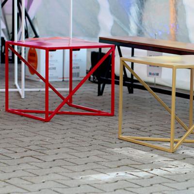 Stoly Omega S Czerwone Zlote Lawki Zig Zag Wypozyczalnia Mebli Magnetic Group Wynajem Mebli Trojmiasto Gdynia Gdansk Sopot Warszawa Olsztyn Ostroda Bydgoszcz Torun WEB