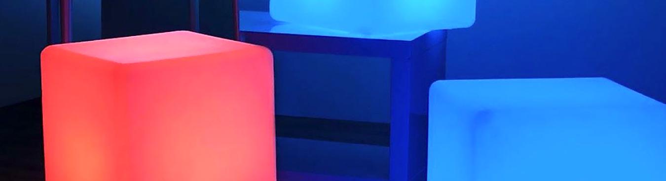 Kubiki pufy stoliki kawowe lampy led Vesper wynajem mebli wypozyczalnia mebli magnetic group sopot gdynia gdansk trojmiasto warszawa poznan olsztyn bydgoszcz toun www