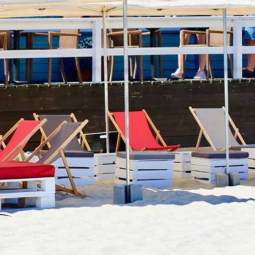 Namioty Bolt 6mx3m-lezaki Sol-siedziska Manolo-pufy Sego Bar-recepcja-Barrio-wynajem mebli-magnetic--group-wypozyczalnia mebli gdynia sopot gdansk trojmiasto web
