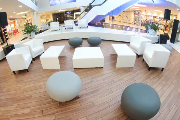 Fotele Miles Pufy CUbo XL Stoliki Kofi Wypozyczalnia Mebli Magnetic Group Wynajem Trojmiasto Gdynia Gdansk Sopot 2