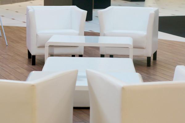 Fotele Miles Stoliki Kofi Pufy Cubo XL Wypozyczalnia Mebli Magnetic Group Wynajem Trojmiasto Gdynia Gdansk Sopot