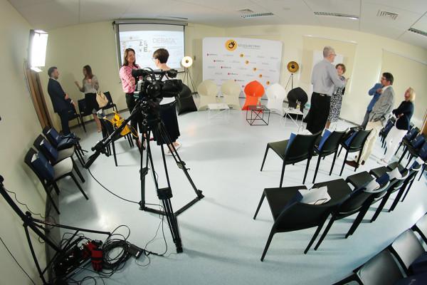 Krzesla Rio Fotele Flux Lampy Oko Stoliki Astro WYpozyczalnia Mebli Magnetic Group Trojmiasto