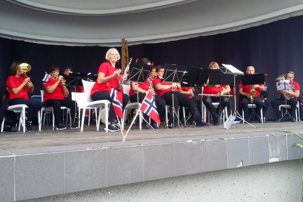 Krzesla-Rio-Orkiestra-Wynajem-Mebli-Gdynia-Gdansk-Sopot-Trojmiasto-Wypozyczalnia-Mebli--Magnetic-Group