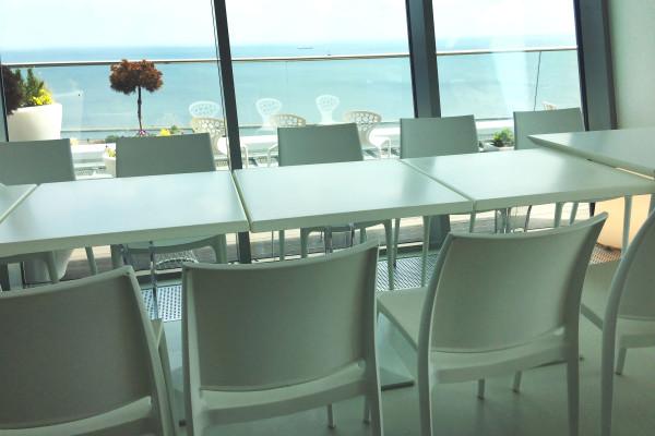 Stoliki-Degas-Krzesla-Rio-Wynajem-Mebli-Gdynia-Gdansk-Sopot-Trojmiasto-Wypozyczalnia-Mebli--Magnetic-Group2