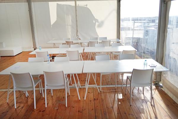 Stoly Nova krzesla Rio Trojmiasto Wynajem Mebli Magnetic Group