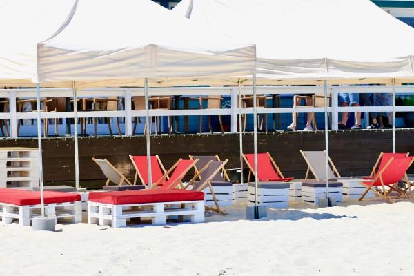 Namioty Bolt 6mx3m-lezaki Sol-siedziska Manolo-pufy Sego Bar-recepcja-Barrio-wynajem mebli-magnetic--group-wypozyczalnia mebli gdynia sopot gdansk trojmiasto 2