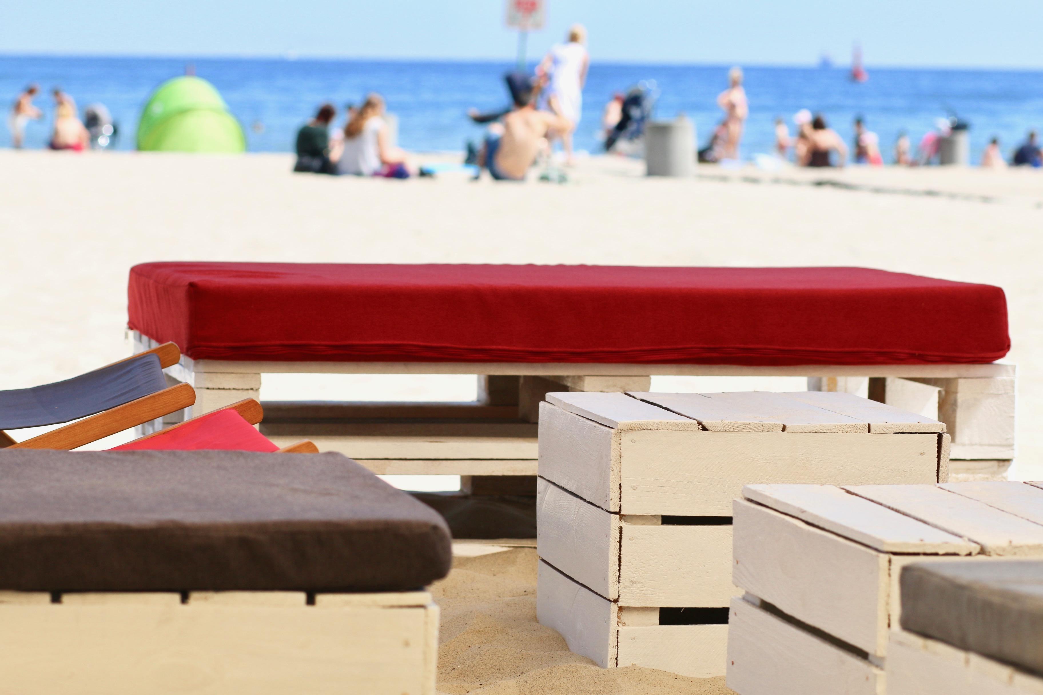 Stoliki Eko-lezaki Sol-siedziska Manolo-pufy Sego wynajem mebli-magnetic--group-wypozyczalnia mebli gdynia sopot gdansk trojmiasto