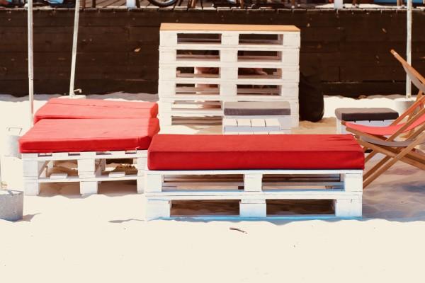 lezaki Sol-siedziska Manolo-pufy Sego Bar-recepcja-Barrio-wynajem mebli-magnetic--group-wypozyczalnia mebli gdynia sopot gdansk trojmiasto