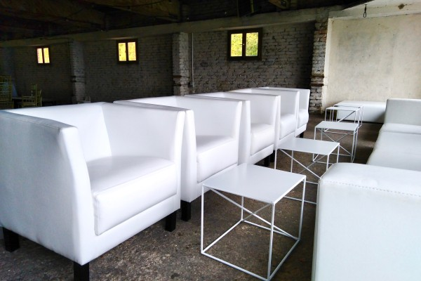 Fotele Miles Stoliki Astro Pufy Cubo XL Moduły Tetris Wynajem Mebli Magnetic Group Sopot Gdynia Gdansk Trojmiasto