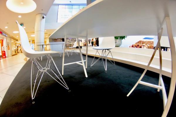 Krzesla DSR biale Wynajem Mebli Magnetic Group Trojmiasto Gdynia Gdansk Sopot 2
